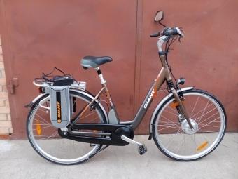 Электровелосипед GIANT Twist